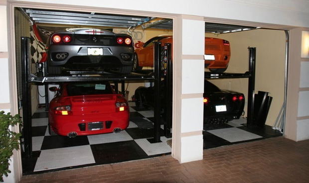 Carros na garagem